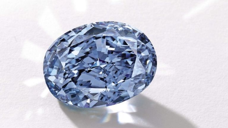 vivid-blue-de-beers-millennium-jewel-4-weighing-10-10-carats